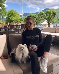 Ma non la compagna del difensore dell'inter ha pubblicato su instagram una foto che li ritrae con i cagnolini. Najkrajsie Partnerky Slovenskych Sportovcov Spoznaj Dievcata Ktore Zamotali Hlavu Nasim Reprezentantom Refresher Sk
