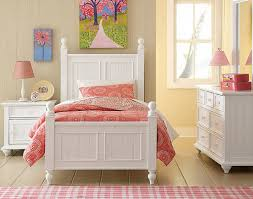 Young America Blog • Say Yes to Pink in a Girl s Room