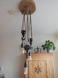 Industriële Lamp Gemaakt Van Ijzeren Katrollen Industriële Tafel