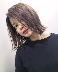 Sachiko Handaさんのヘアカタログ 外国人風黒髪ハイライトボブ