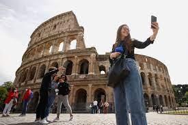 Italy tiptoes towards post-COVID ...