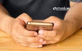 Setelah anda mengonfirmasikan keberadaan telepon anda dan kegunaannya saat ini kepada pihak penelepon, anda mungkin akan terus diganggu oleh si penelepon. 7 Aturan Penggunaan Hp Di Tempat Kerja