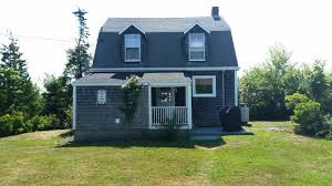 Recently Renovated Early 1900s Cottage With Open Ocean
