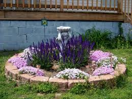 Small Round Flower Bed Design Round Flower Bed With Statue Beautiful Design Ideas Designs