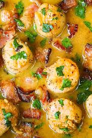 seared scallops with bacon in lemon er sauce