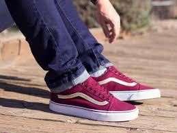 Canvas shoes undo teen guys