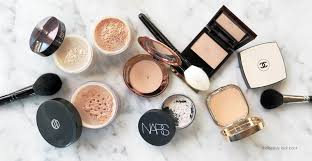 make sure you have at least 2 powders in your kit a loose powder to bake and set and a pressed powder for touch ups throughout the day