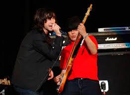 Primal Scream bid farewell to Mani at Edinburgh Hogmanay gig | NME