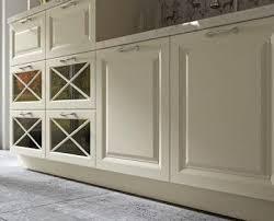 Oda sayısı az olan dairelerde kullanılan açık mutfak olarak da isimlendirilen amerikan mutfak, mutfak ve salonun iç içe olduğu mutfak türüdür. Lake Kapak Mi Mebran Kapak Mi