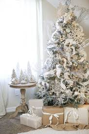33 Chic White Christmas Tree Decor Ideas  DigsDigsSnowflakes For Christmas Tree