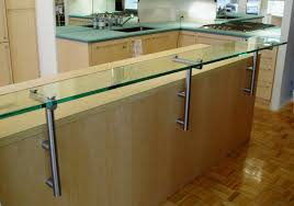 low iron glass countertop for raised bar eating area