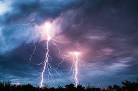 Biggest Lighting Strike The Most Extreme Bolts Of Lightning Strike In Winter Mnn
