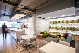 Natural interior design Zimmer head office by Gray Puksand