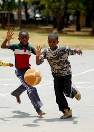 Despite Hunger, Poverty, Zambian Boys Enjoy Fun of Sports - en.chinagate.cn
