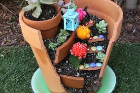 Cool magical best diy fairy garden ideas Bird Bath Onechitecture Give Your Broken Pots Magical Boost By Turning Them Into Fairy Gardens