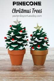 Somewhat Quirky Pine Cone Christmas TreesPine Cone Christmas Tree Craft Project