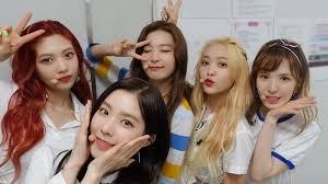 Red velvet yeri shows shocking new makeup styling. Hilarious Red Velvet Moments That Will Make You Smile Soompi