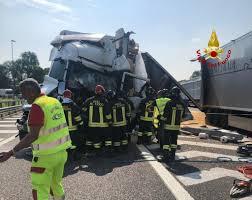 Vicenza, tremendo incidente oggi in A4: un morto e tre feriti