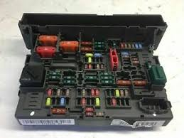bmw 1 3 series e87 e88 e90 e91 e93 lci fuse box power relay unit image is loading bmw 1 3 series e87 e88 e90 e91