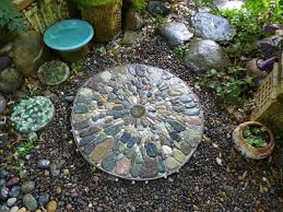 rhcom creative diy garden projects pebble creative mosaic stepping stones pavers diy mosaic garden projects