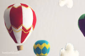 lovely diy felt hot air balloon mobile