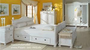 Schlafzimmermöbel im Landhausstil - YouTube