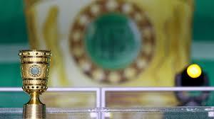 Juli mit platzhaltern für die teilnehmer aus den landesverbänden. Dfb Pokal Wer Zeigt Ubertragt Die Auslosung Der 2 Runde Heute Live Goal Com