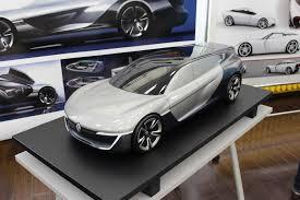 Фоторепортаж студенты МАМИ представили автомобили будущего Анна Горбунова проект автомобиля бизнес класса renault
