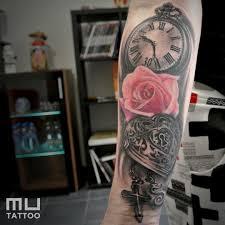 Tetování Hodiny A Růže Tetování Tattoo