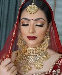 indian bridal makeup and jewellery red bridal lehenga and gold jewellery indianwedding