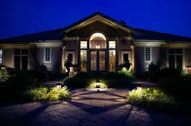 landscape lighting design. circle cross 4x4 and 6x6 series natural accents landscape lighting mo design