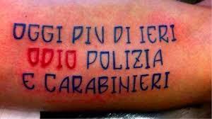 Gomorra Neomelodici E Tatuaggi Sullonore Dentro Il