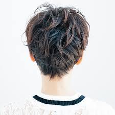 クセ毛を生かしたベリーショートで女らしさアップ40代のショートヘア
