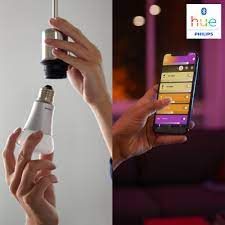 Bóng đèn thông minh Philips Hue White and Color Ambiance 9W A60 E27 kết nối  Bluetooth và Zigbee