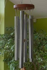 Le carillon (ou cloche) tubulaire Images?q=tbn:ANd9GcSLRDW38alH2x1tOlrrZ46_bAo4xb31Ndv8-oMYhB_qE8f781NF_Q