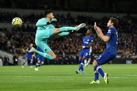 48,525,135 likes · 1,045,841 talking about this. Wearing De Gea S Gloves Fans React As Paulo Gazzaniga Follows Man United Keeper S Howler Football London