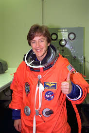4 Important Lessons I Learned From Astronaut Wendy Lawrence | Nasa  astronauts, Astronaut, Nasa