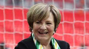 Delia Smith turns down Norwich promotion