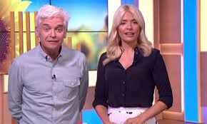 Holly willoughby's weight loss techniques have been revealed, including a diet of chicken, fish and vegetables, as well as a kickboxing regime. Nadia Sawalha Comments On Holly Willoughby S Weight Loss Hello