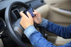 driving habits you should watch out for huffpost 2016 08 23 1471963250 9118667 textingwhiledriving jpg