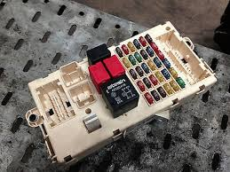 alfa romeo 147 3 door 1 9 jtd fuse box 51711426 wilkin auto parts alfa romeo 147 3 door 1 9 jtd fuse box 51711426