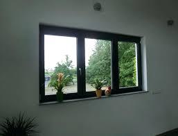 Anthrazit Fenster Innenansicht Fensterbankschrauben Fensterrahmen