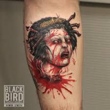 татуировка на руке парня мертвая гейша фото рисунки эскизы