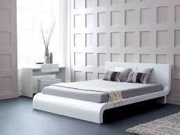 Decorating Modern White Bedroom Furniture