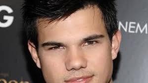 Taylor Lautner set to host SNL ...