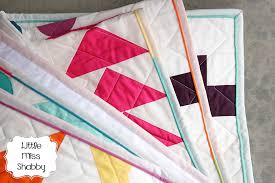 Scrappy Faux Piped Binding Tutorial – Coriander Quilts & After mulling this over a bit, I decided to try a scrappy faux piped binding  done completely by machine. Now, I have tried machine binding methods  before ... Adamdwight.com