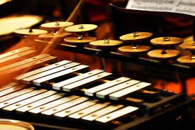 Hampir di seluruh wilayah indonesia mempunyai alat musik … 13 Alat Musik Melodis Beserta Gambar Dan Penjelasan Guratgarut