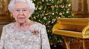 Queen's <b>Christmas</b> message criticised online for featuring <b>gold</b> piano