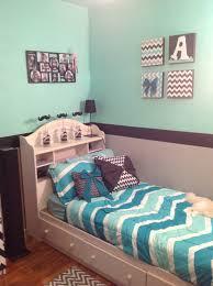 Charming Chevron Bedroom Decorating Ideas 15.