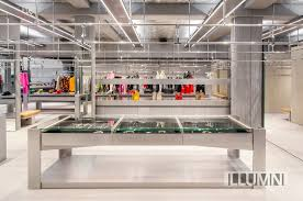 Century Designer Studio Licht Kunst Licht Implements New Concept For Balenciagas